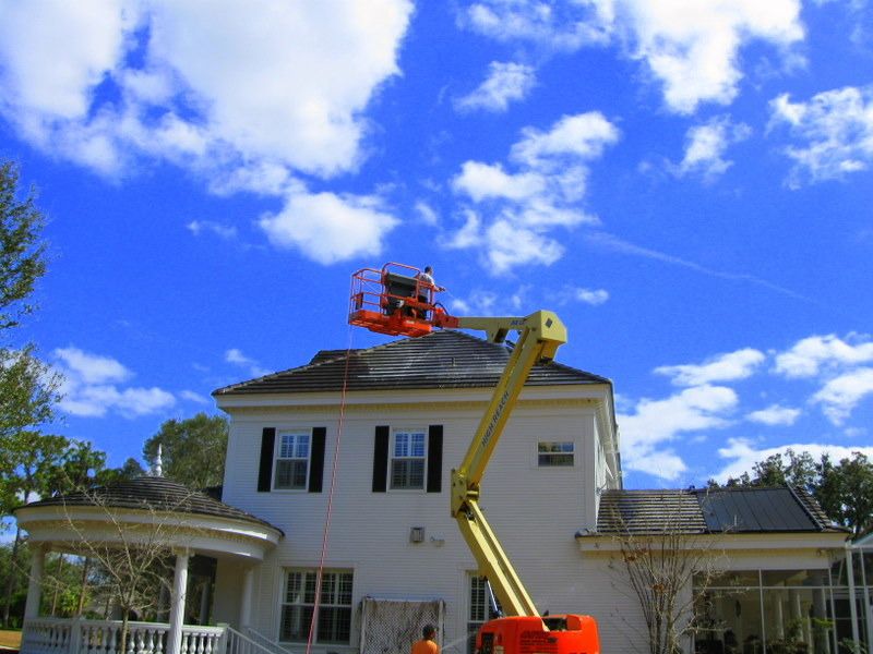 Cleaning Steep Shingle And Tile Roofs ⋆ Apple Roof