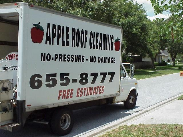 non-pressure-roof-cleaning-truck
