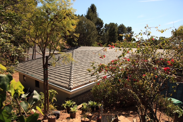 Cleaning Composite Roof Tile the Right Way
